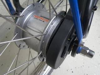 Gear hub with chainguard
